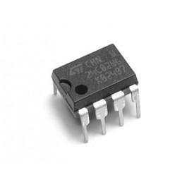 Микросхема AT24C02B-10PU-1.8 (1568РР1, 8582Е)