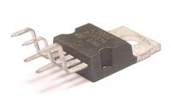 Микросхема L200C