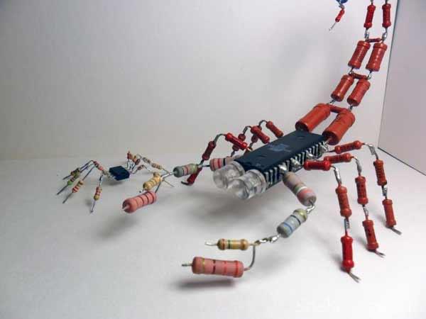 Скорпион из радиодеталей